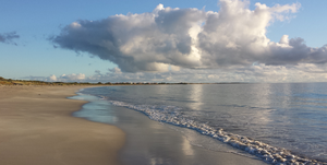looking south from Warnbro beach by westaussie