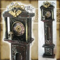 Miniature Spooky Clock by grimdeva
