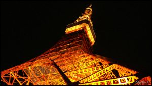 Tokyo Tower by night by Eclipseo