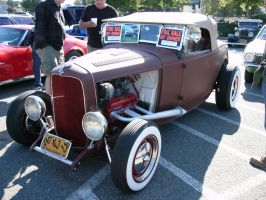 1932 Ford roadster haz Chev 327 engine by RoadTripDog