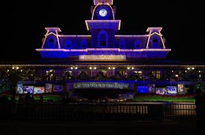 Magic Kingdom Entrance by Arii-Suzuki