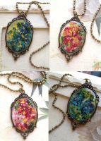 Abstract Flower Necklaces by EVenturino