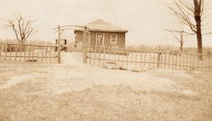 Old timey shack by Ripplin