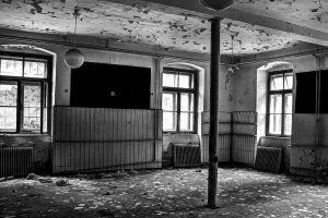 Abandoned school building by ToRom
