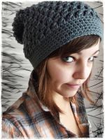 Crochet slouchy hat by Esarina