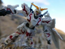 Gundam RX-O Destoyer mode mini by SurfTiki