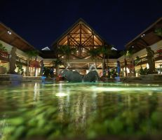 Loews Royal Pacific Hotel by Vici-was-king