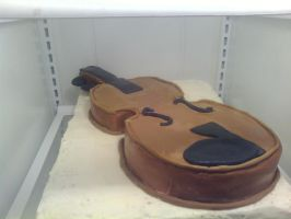 Violin cake by KauseNeffect