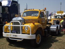 Mack B-model on display 3 by RedtailFox