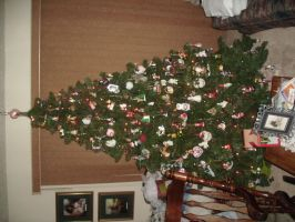 Christmas Tree 09 pt 1 by Ironhold