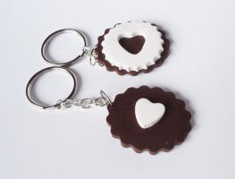 BFF cookie keychain by FrozenNote