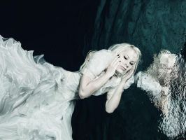 Deep Water by SimoneCz