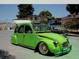 Citroen 2CV Low Rider by octagonalpaul