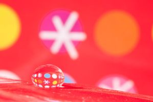 Christmas droplet by pqphotography