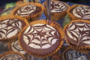 Spiderweb cakes by S-y-c
