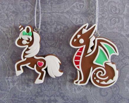 Gingerbread Ornaments by DragonsAndBeasties