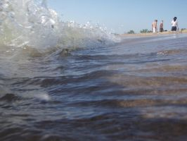 Tidal waves in Lake Michigan by EdenUnderFallout