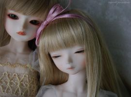 sisters.3 by ball-jointed-Alice