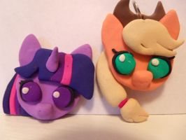 Twilight Sparkle And Applejack by RobertPlantsPants