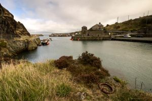 Amwlch Habour by CharmingPhotography