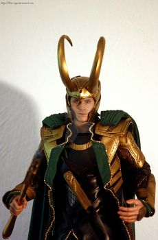 Hot Toys Loki 01 by blue-cage