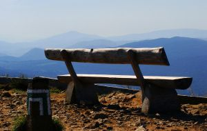 Mountain's Bench by Luin-Tinuviel