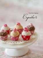 3 cupcakes by PetitDeCherries