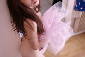 Floriane dans le tulle by Who-Is-Chill