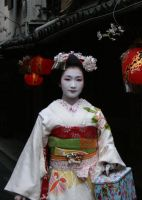 Japan: Maiko I by mogwai-puant