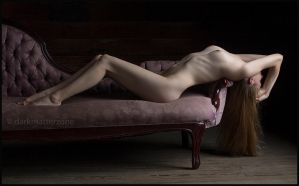 Reclining Figure 1 by darkmatterzone