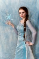 Queen Elsa Almost Cosplay by Silyah246