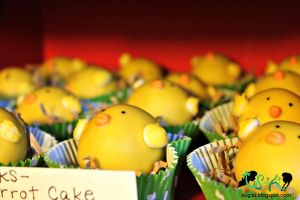Little Chick Cake Balls by SugiAi