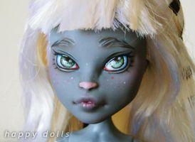Monster high meowlody repaint 1 by hellohappycrafts