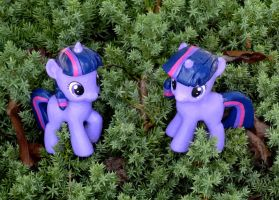 Two tiny Sparkle in the Twilight by HeyLookASign