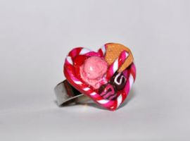 Valentine's day ring by Pinkatzinha