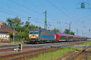 630 009 arrive with a Railjet in Hegyeshalom by morpheus880223