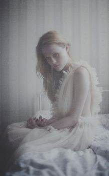 silent dying by laura-makabresku