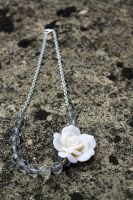Cute Beaded Flower Necklace by Clerdy