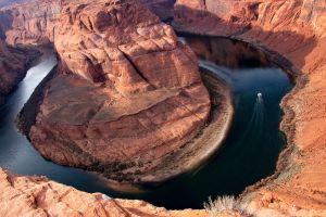 Horseshoe Bend II by esee