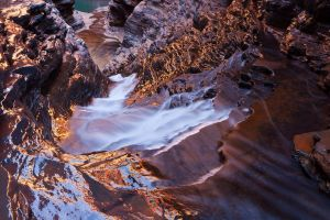 Karijini Waters Glow by Niv24