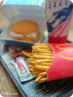 Close up of miniature fries by Aiclay