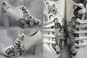 Ghostly ghost shoes by Staraya