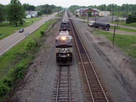 Norfolk Southern C40-9W 9805 by LDLAWRENCE