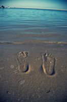 Footsteps in The Sand by 3hanphoto
