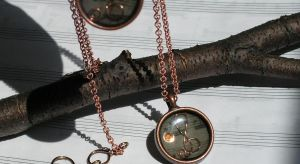 Treble thru the looking glass clef that is by artistiquejewelry