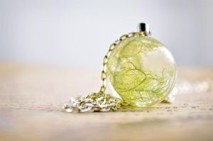 Green moss necklace - real moss in clear resin by Uxorboutique