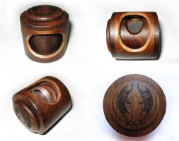 rotating ring box by thebailey