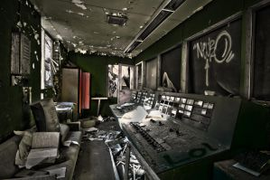The Control Room HDR Workshop by stopwideshut