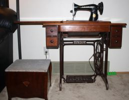 antique sewing machine and sewing box by Mab-overthrown