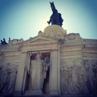 Statues in the sun by 00Petrix00